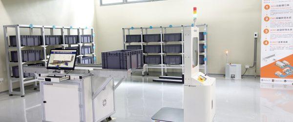 圖5-智慧倉儲展示區-AGV無人搬運車